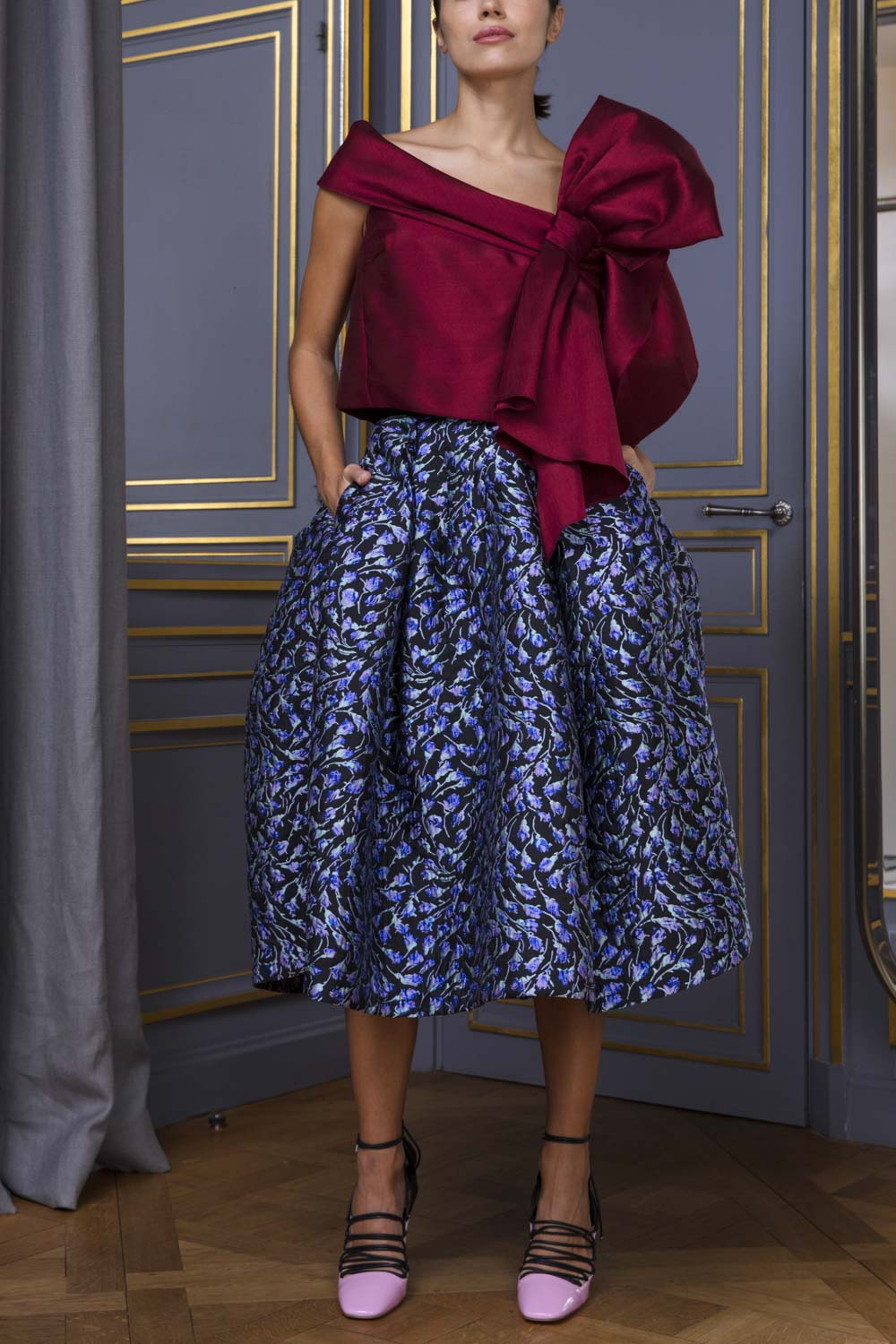 Silk jacquard tulip skirt with floral motif